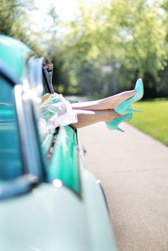 womans-legs-887286_1920