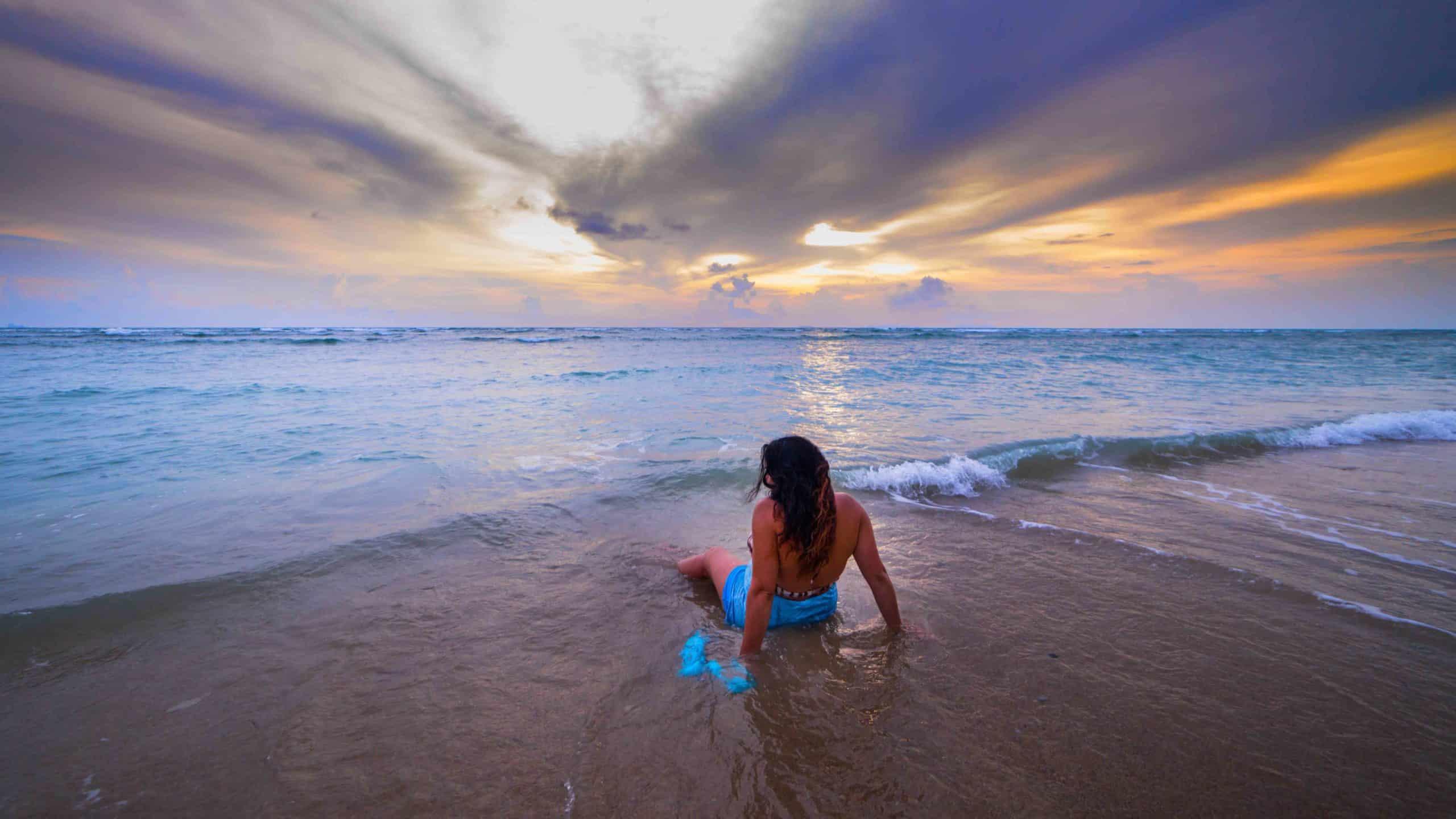 La Femme face à l'océan